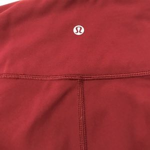 Lululemon Maroon cropped / 7/8 leggings size 6